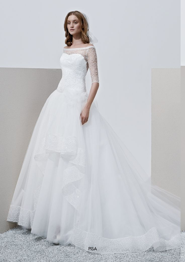"""Collezione Privée 2015 - Elisabetta Polignano Modello """"Pisa"""": vaporoso e classico, con un tocco di originalità #wedding #weddingdress #weddinggown #abitodasposa"""