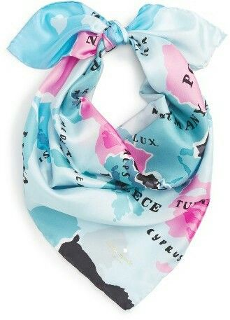 I adore the color combination in this scarf. The feeling is so cooling! Perfect for a summer evening out in town.