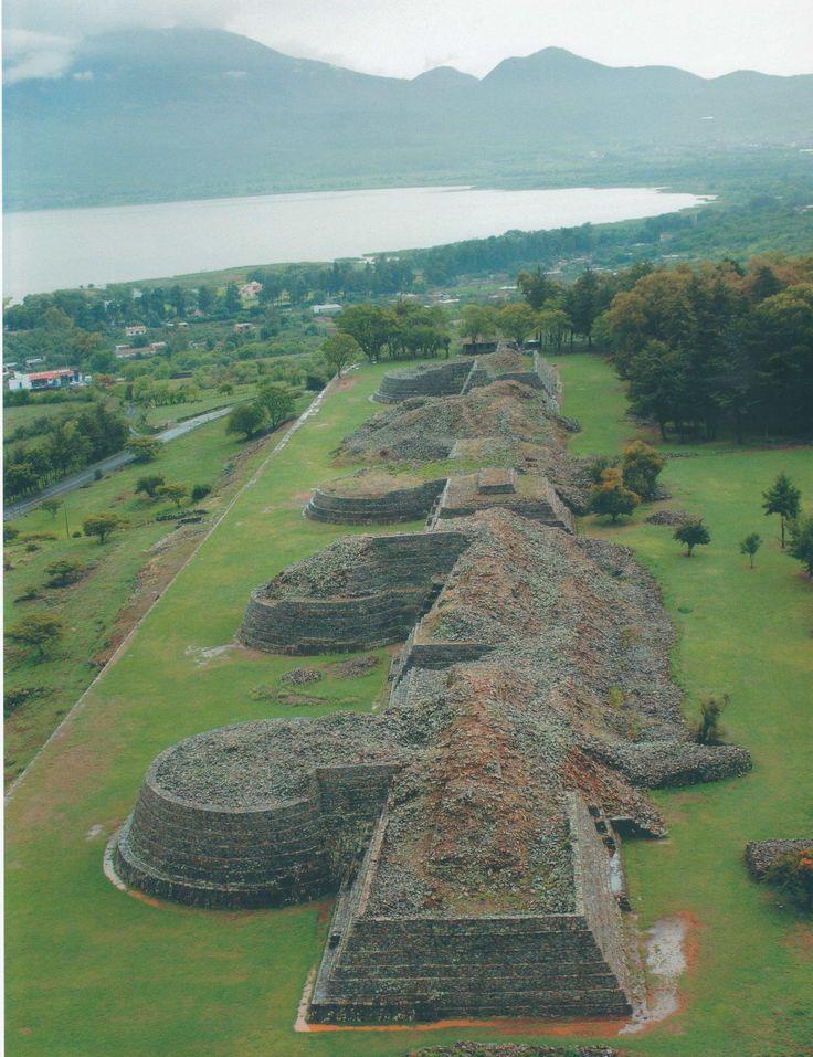 Tzintzuntzan ruinas Michoacán | Zona arqueológica de las Yacatas, vestigio del centro ceremonial ...