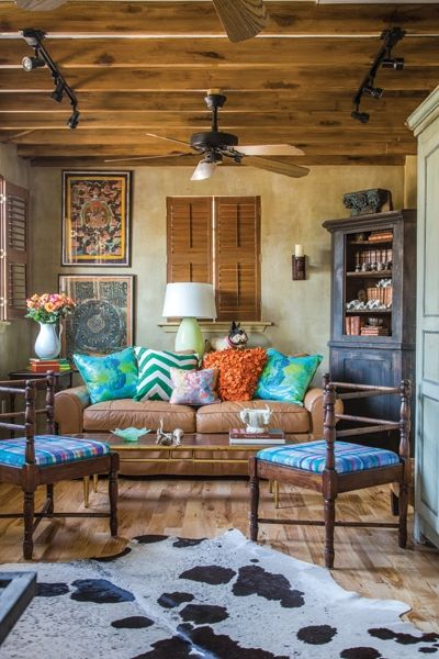 Don't normally see bright colors in rustic decor. [ MexicanConnexionForTile.com ] #LivingRoom #Talavera #handmade