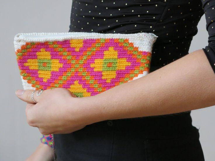 Handmade Wayuu Patterned Purse by EKIIOrigins on Etsy