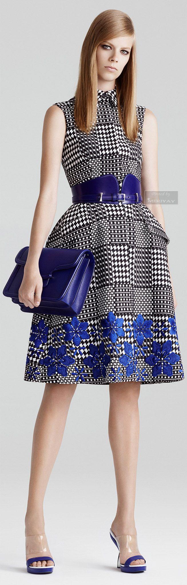 Alexander McQueen Resort 2015. http://es.pinterest.com/meriyay/fashion-dresses-ii/