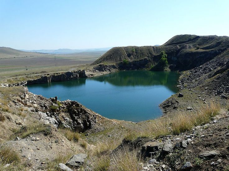 Lacul Iacobdeal Muntii Măcinului Dobrogea Romania