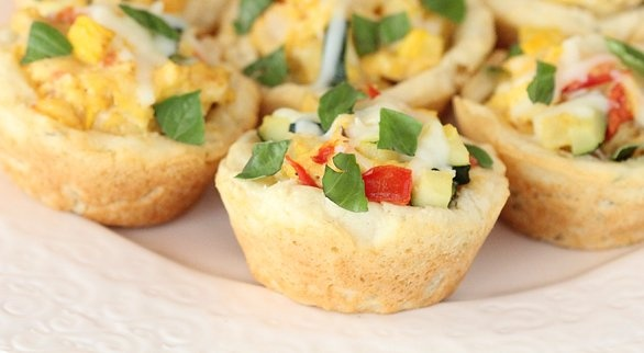 Biscuit Cups with Scrambled Eggs and Veggies | Quick Dish Recipes