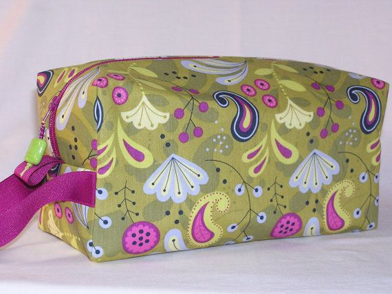 Paisley Punch Project Bag by ThreeBagsFullStudio on Etsy, $32.00