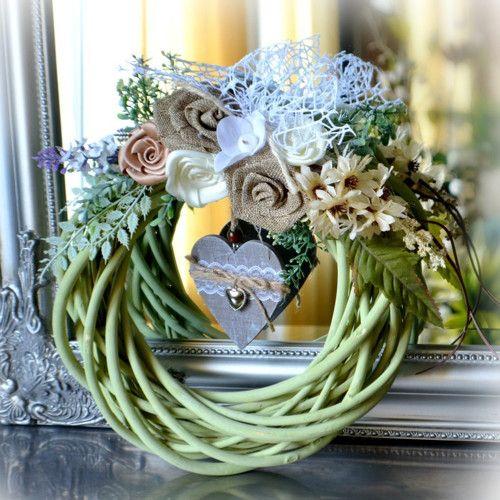 Зеленый венок плетеная