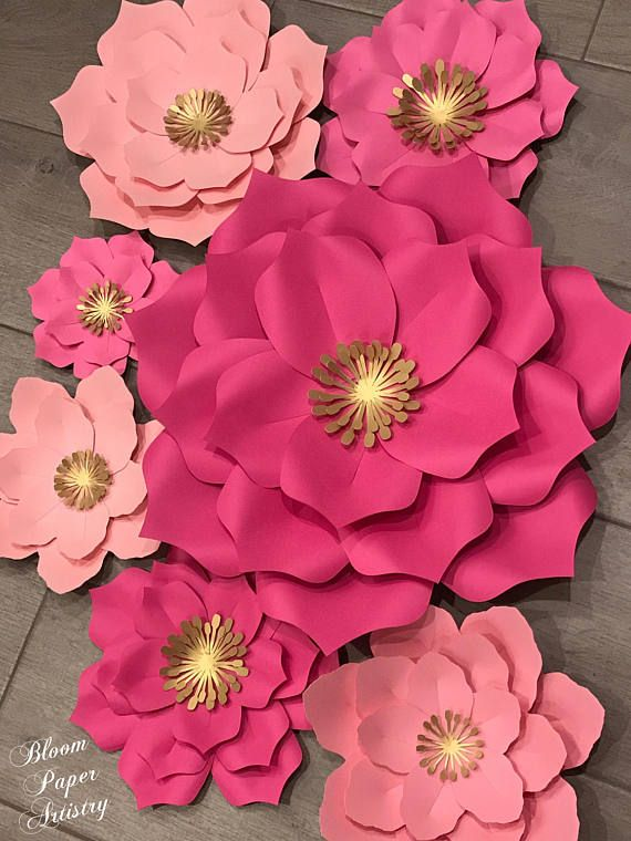Set of 7 paper flowers