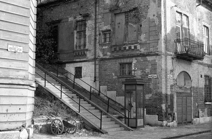 1976 Logodi utca (még mindig látszanak a házakon a háború nyomai)
