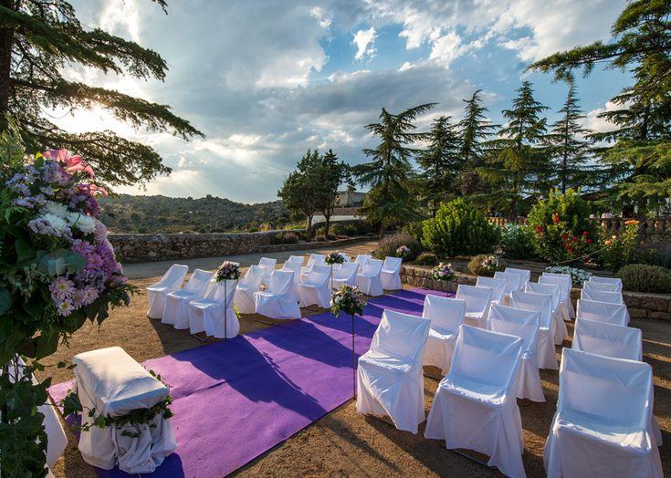 Najaraya, Alfombra morada, finca boda Madrid, http://www.buscabodas.com