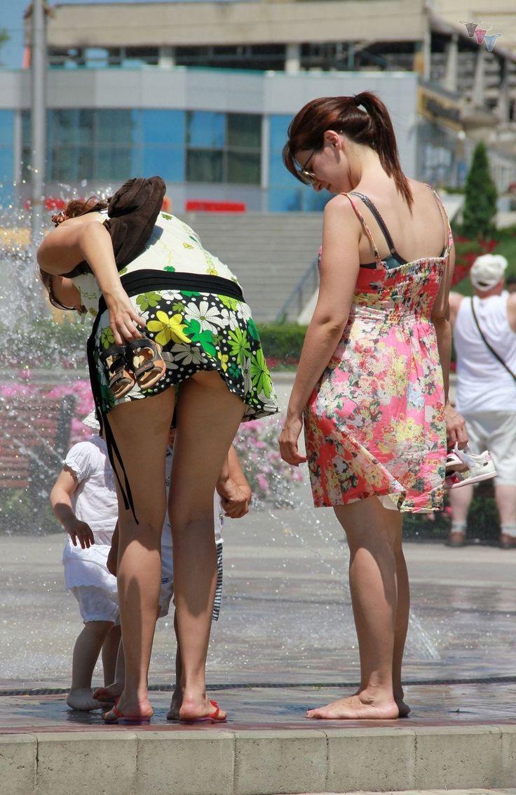 Hoy latinas in bikinis
