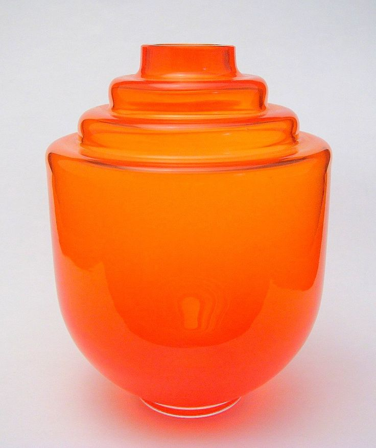 "Orange vase ""Ariane"" Orange vase designed by Floris Meydam occasion of the birth of Princess Ariane."
