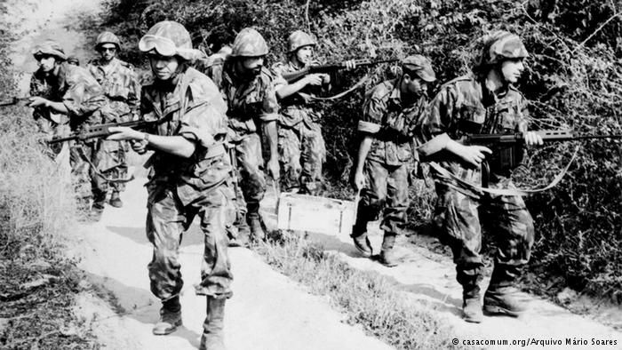 Portuguese soldiers in action - African Colonial War 1961-1974