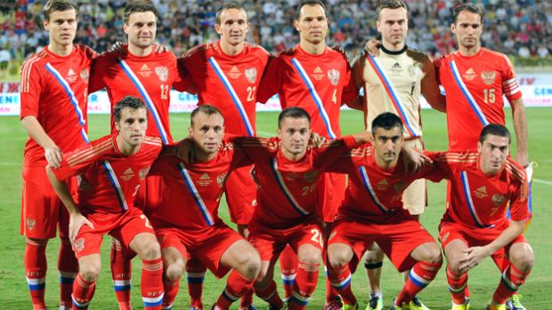Russia soccer team roster 2014 world cup | Russia national team's players pose for a group photo before their ...