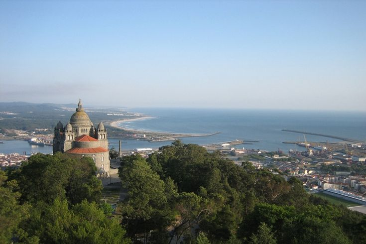 Viana do Castelo is famous for its colourful traditional costumes and gold jewellery as well as its architecture. When I say architecture, we're talking Celtic settlements, medieval monuments and award-winning contemporary buildings.
