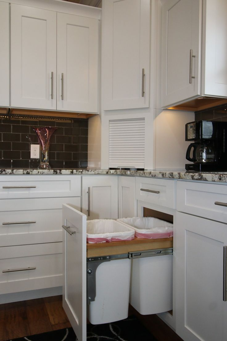 Kraftmaid grey kitchen cabinets - Waypoint 650f White Kraftmaid Putnam Vintage Onyx 023 Kraftmaid Kitchen Cabinetsappliance