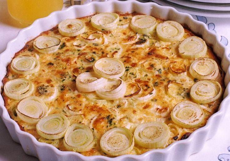 Requintada, a torta de alho-poró é ótima pedida para o almoço ou jantar do fim de semana. Rende 12 porções