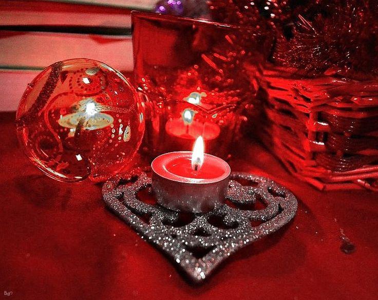 Xmas set 2012: the big red by gozzibarbara.deviantart.com