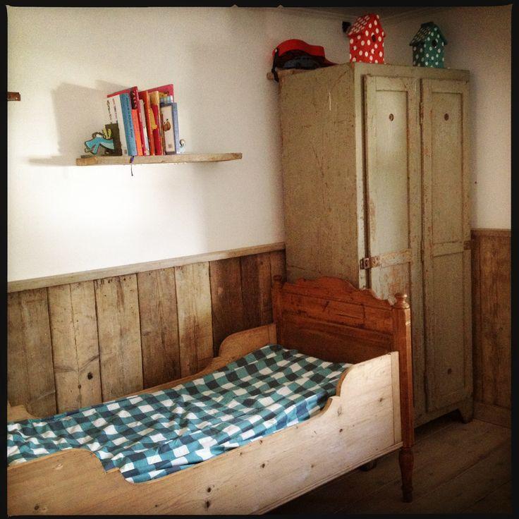 Een nieuwe kamer voor mijn grote jongen, met vintage meubelen, extra stoer!  Big boys room with vintage furniture!