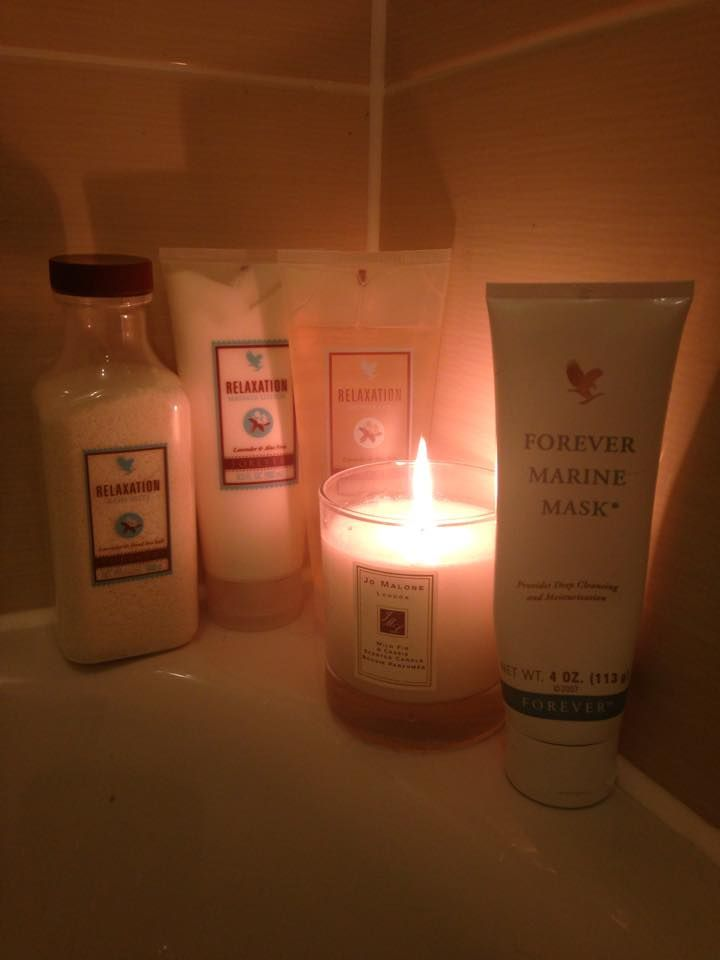 Ultimate pampering experience!! In the bath with my marine face mask on soaking away any aches and feeling totally relaxed with the smell of our lavender bath salts.... Could just float away ☺ #bliss #relax #pamper #weekendready