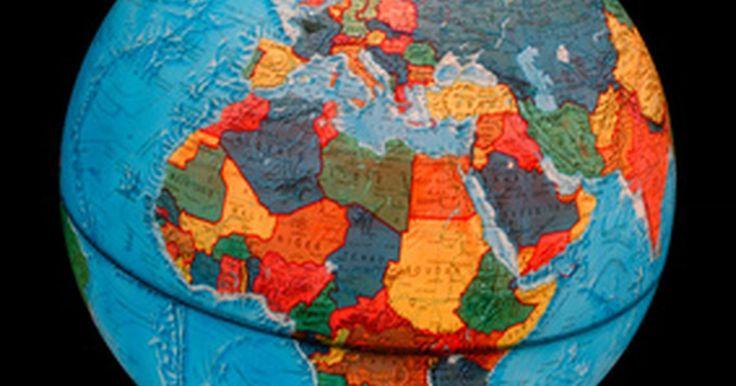 Cómo integrar diversidad en un aula de preescolar. En la cultura global de hoy, se está volviendo cada vez más imperativo exponer a los niños a la diversidad a temprana edad. La diversidad, en pocas palabras, le enseña a los niños que su experiencia en el mundo no es la única. La diversidad se puede enseñar desde muchos ángulos: raza, edad, religión, estructura familiar, país de origen, idioma y ...