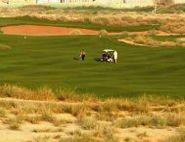 Arabian Ranches Golf Club  PAR 72 GRUNDAD 2004 DESIGN IAN BAKER-FINCH / NICKLAUS DESIGN BLÅ TEE 6 857 M RÖD TEE 5 325 M HCP D36/H28   Golfbanan är en utmaning för golfare på alla nivåer. Den har par 72, och är en ökenbana som karaktäriseras av de stora naturliga waste land områdena som kantar de frodiga fairways och greener.läs mer om banorna på Golf Joys hemsida http://www.golfjoy.se/Golfbanor_Dubai.htm