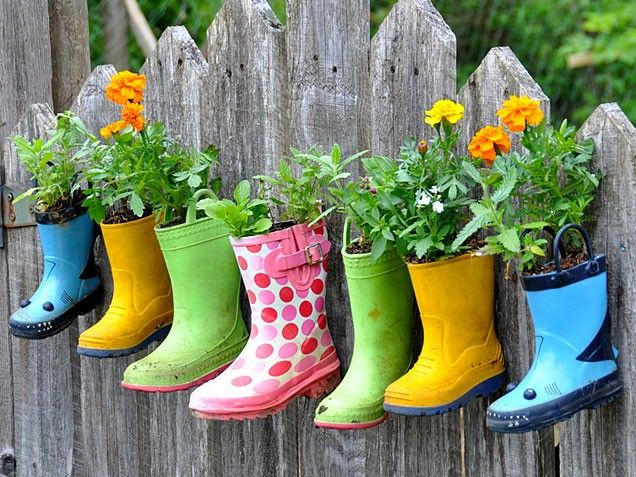 Hanging Rainboot Garden - OMG I love this...but my boots would be firefighters and super heroes :o)