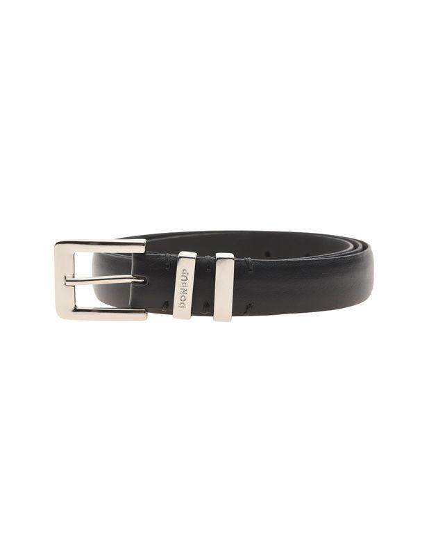 Schmaler Ledergürtel Dieser elegante schwarze Gürtel ist aus feinstem Leder gefertigt und kommt mit dezenter silberfarbenen Schnalle.  Perfekt zum Anzug oder zur cleanen Jeans...