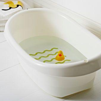 les 17 meilleures id es de la cat gorie baignoire b b sur. Black Bedroom Furniture Sets. Home Design Ideas