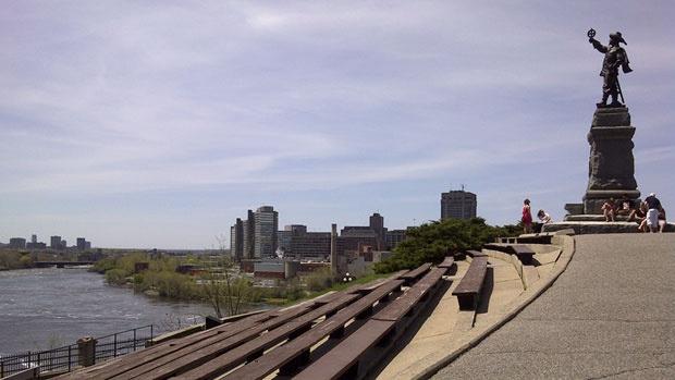 Samuel du Champlain Statue, Ottawa
