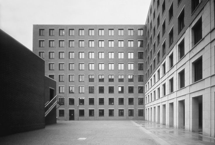Bürogebäude Köthener Straße; Architekt: Giorgio Grassi