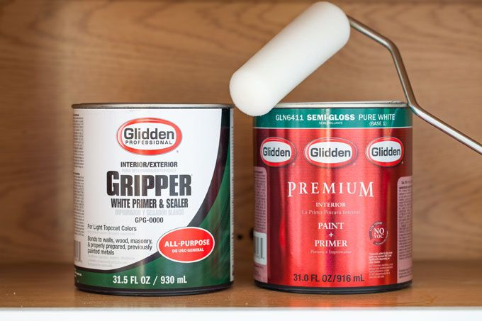 "The best primer to use when painting laminate surfaces - a latex ""bonding"" primer and a semi-gloss paint finish. A bonding primer is crucial. I always use Glidden Gripper. It works great and is affordable."