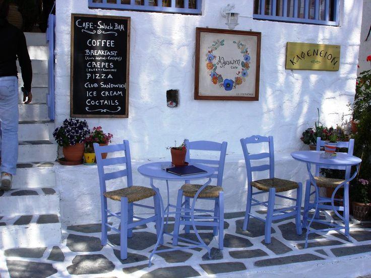 Lovely cafe in Perdika, Aegina
