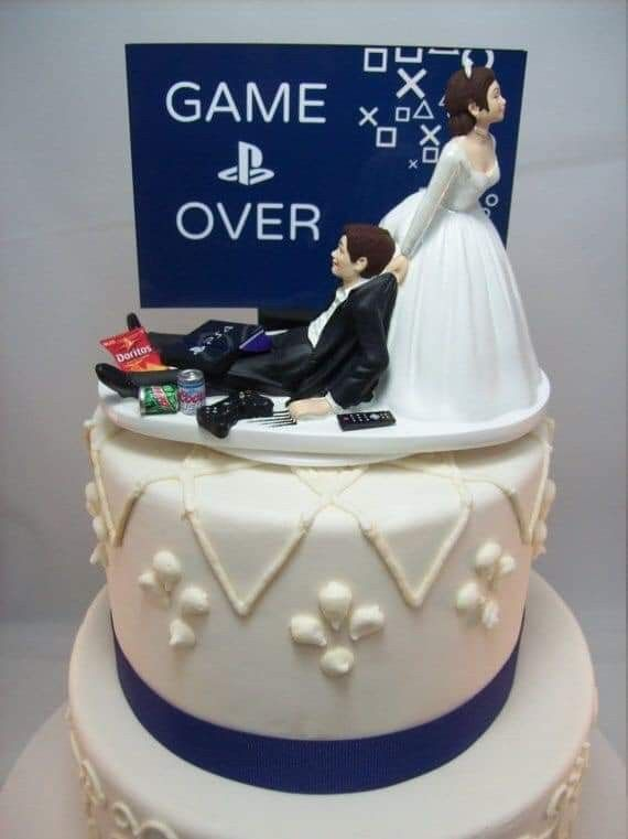 Pin By Lore Martinez On Ideas In 2020 Funny Wedding Cake Toppers Wedding Cake Toppers Funny Wedding Cakes