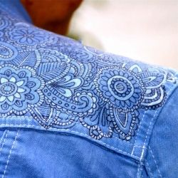 """Tutorial ~~ shows you how to """"tattoo"""" a denim jacket using a sharpie marker, glue, and fabric dye."""