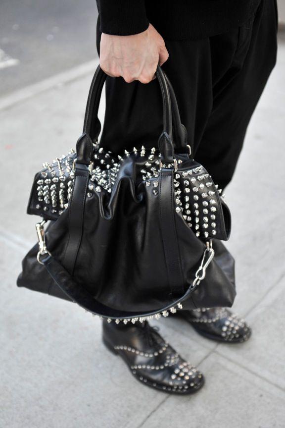 Kyle Anderson  Shirt: Givenchy  Bag: Burberry Prorsum  Pants: Zara  Shoes: Prada