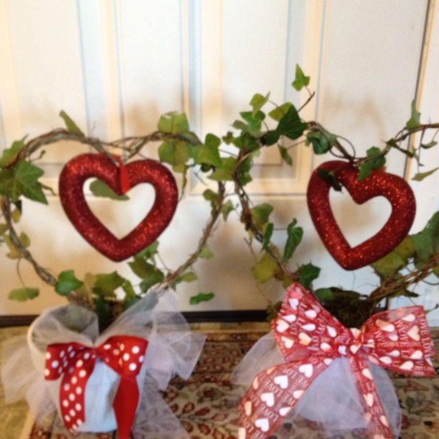 Our valentines topiaries me & Kathy made ;)