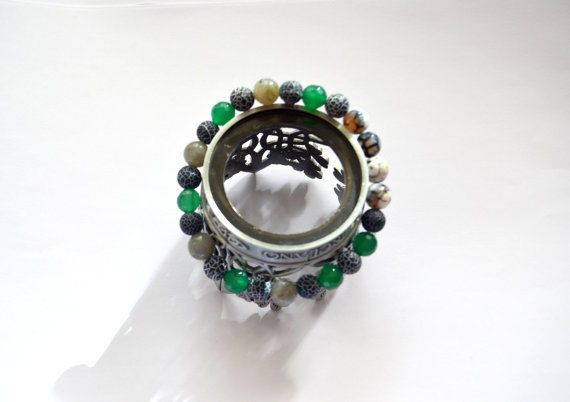 Dark Blue, white and green Agate & Grey chalcedon, gemstone beaded bracelet.