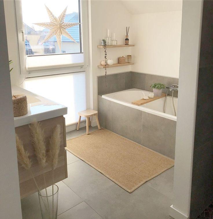 Graue Fliesen im Bad – #bad #einrichtungsideen #Fl…