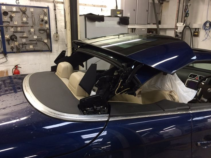 To reduce the risk of your Volkswagen Eos roof from leaking you should carry out this procedure every few months. Use a tap water dampened cloth for the clea...