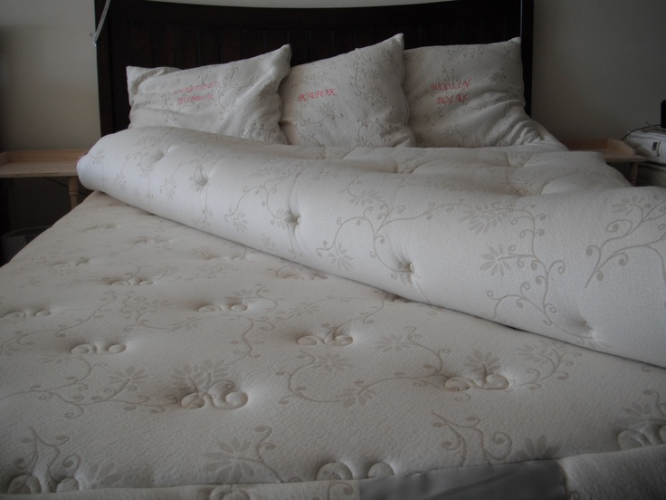 Suite Sleep Suite Vesta With Topper Folder Over Mattress And 3 Types Of  Pillows In The