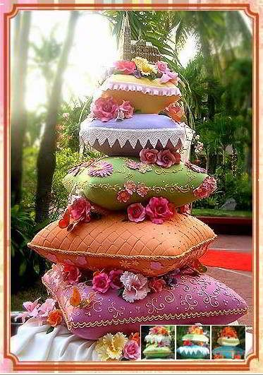 This cake is cool- it's like pillows stacked up- perfect for those Interior Designers! Available at http://free-wall-paper-4-all.blogspot.com/2012/04/unique-wedding-cakes.html