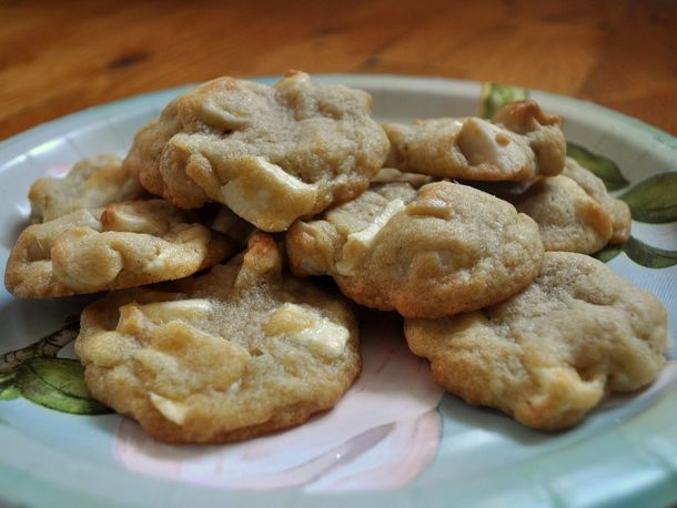 Simple White Chocolate Macadamia Cookies