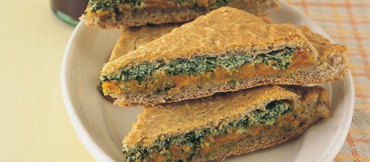 Focaccia ripiena di zucca, ricotta e spinaci, con yoghurt greco a posto di ricotta e farina integrale + farina di grano saraceno
