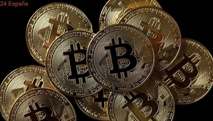 El bitcoin frena su precio tras su estreno en el mercado de futuros de CME Group