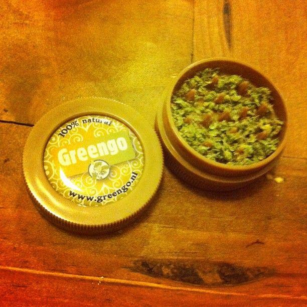 New grinder, spliff time!  #greengo  #100%natural  #weed  #bluecheese  #maryjane | OnInStagram