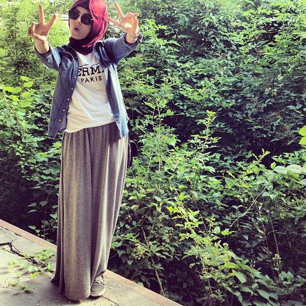 Cool hijabi style :)