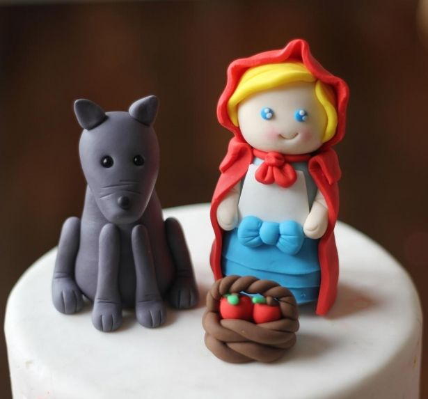 Little red riding hood ridinghood fondant topper cake cupcake set by Les Pop Sweets on Gourmly