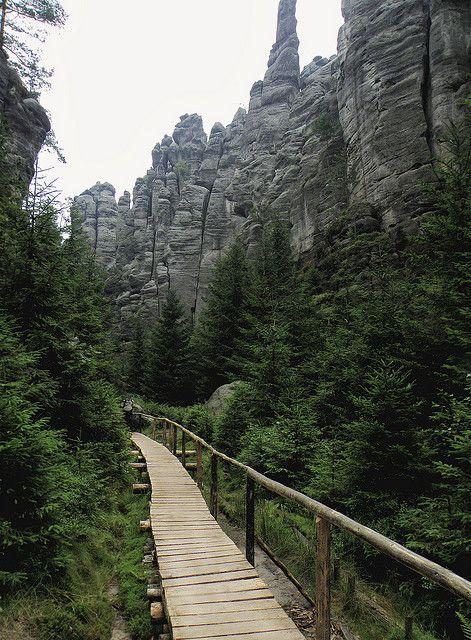 Wooden trail at Adršpach-Teplice Rocks in Czech Republic (by Mirek T).