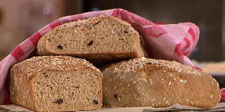 Havregrynsbrød med yoghurt og epler - Et saftig og smakfullt brød!