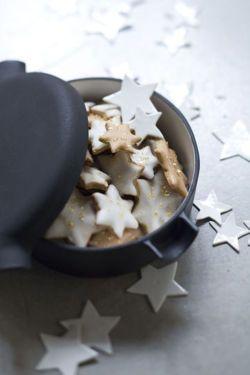 : Stars Cookies, Baking Tips, Decor Ideas, Xmas Cookies, Sugar Cookies, Christmas Cookies, Black And White, White Christmas, Gold Christmas